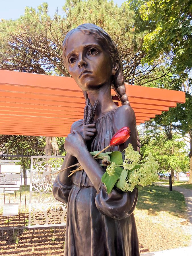 Торонто. Мемориал жертвам Голодомора в Украине.