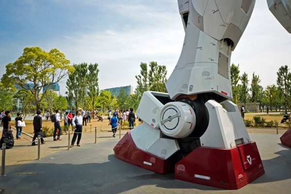 Full-Scale-Gundam-Model-6