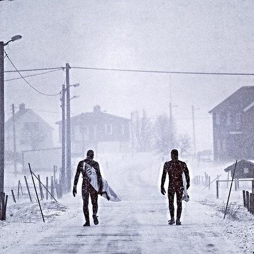 В Тайланде +9 - замёрзли 15 человек. Россия минус 35 - замёрз автобус, иду пешком....