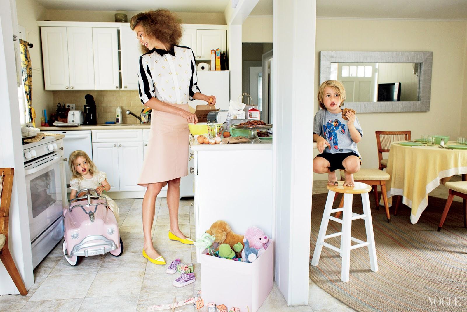 Karlie Kloss by Arthur Elgort (Little Pink Houses - US Vogue November 2012) 1