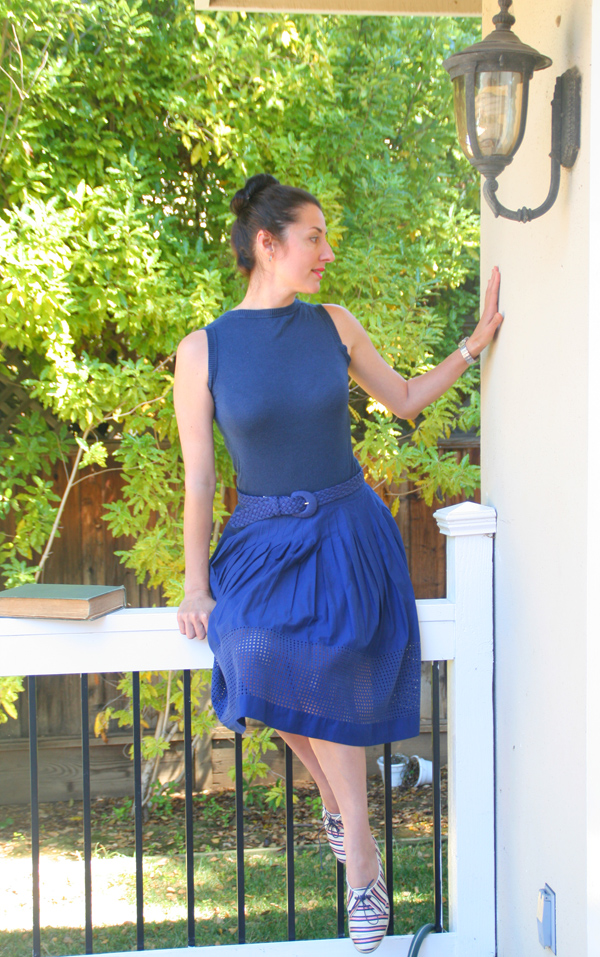 lavrishina-blog-tabitha-simmons-sneakers-blue-skirt-4
