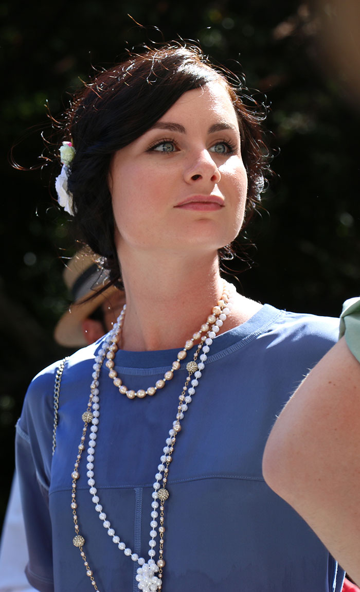 Lavrishina-blog-Gatsby-Afternoon-ADSC-lady-in-blue