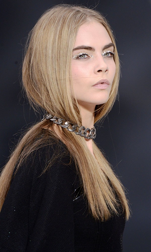 Cara delevigne chanel tuck in hair