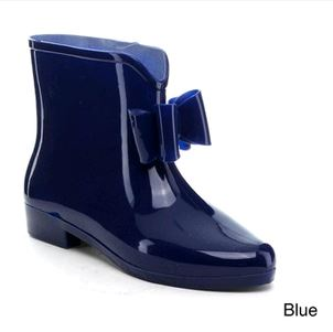 Eeasos Gel Booties at Overstock
