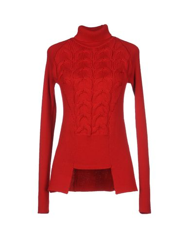Doundup Red Turtleneck