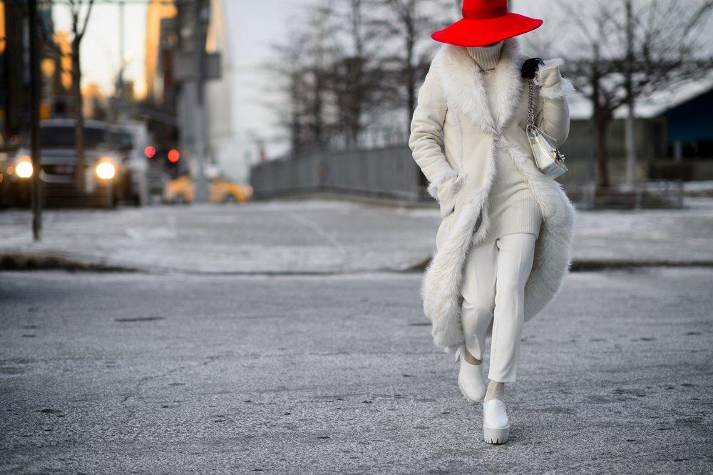 nyfw-fall-2015-street-style-wmag-adam-katz-sinding-red-hat
