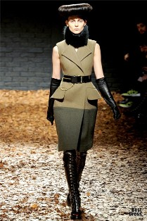 1346503111_mcq-alexander-mcqueen-collections-fall-winter-2012-13