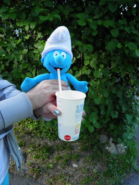 Smurf drinks milk shake