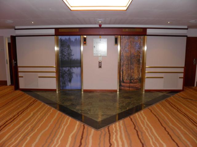 Doors of lift in Scandic Patria