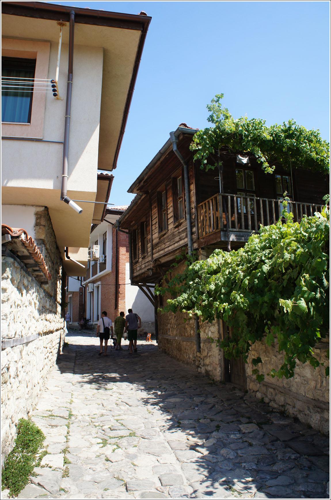 улицы Несерб