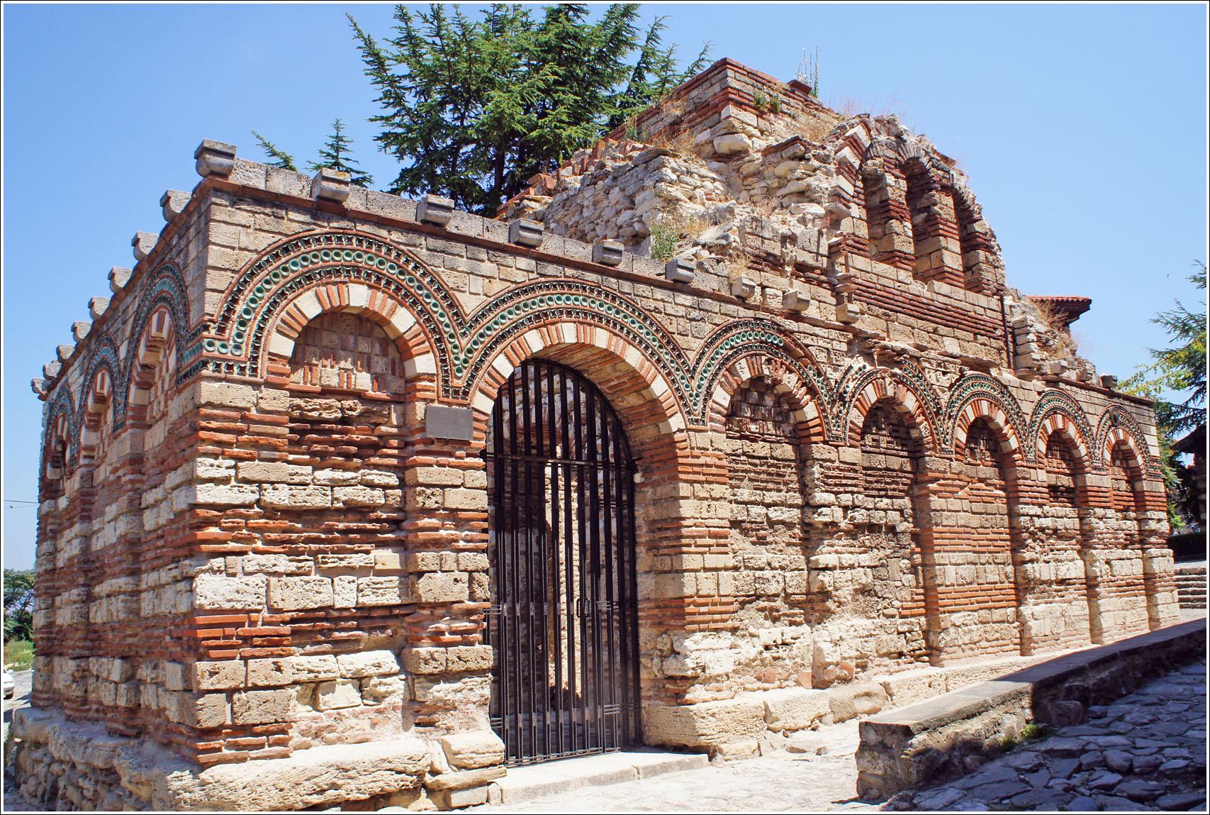 церковь Архангелов Михаили и Гавриила