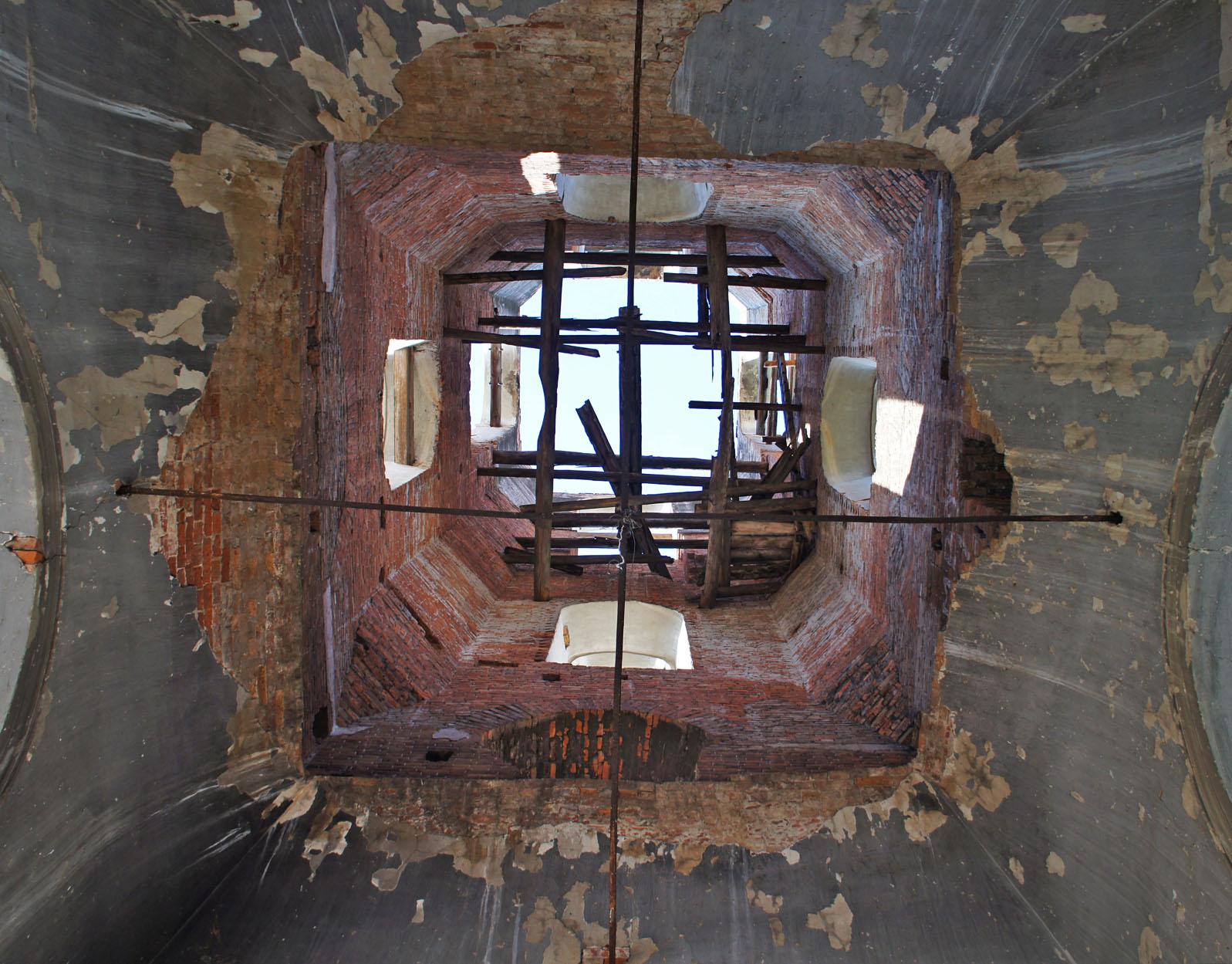 под куполом колокольни в Антоново