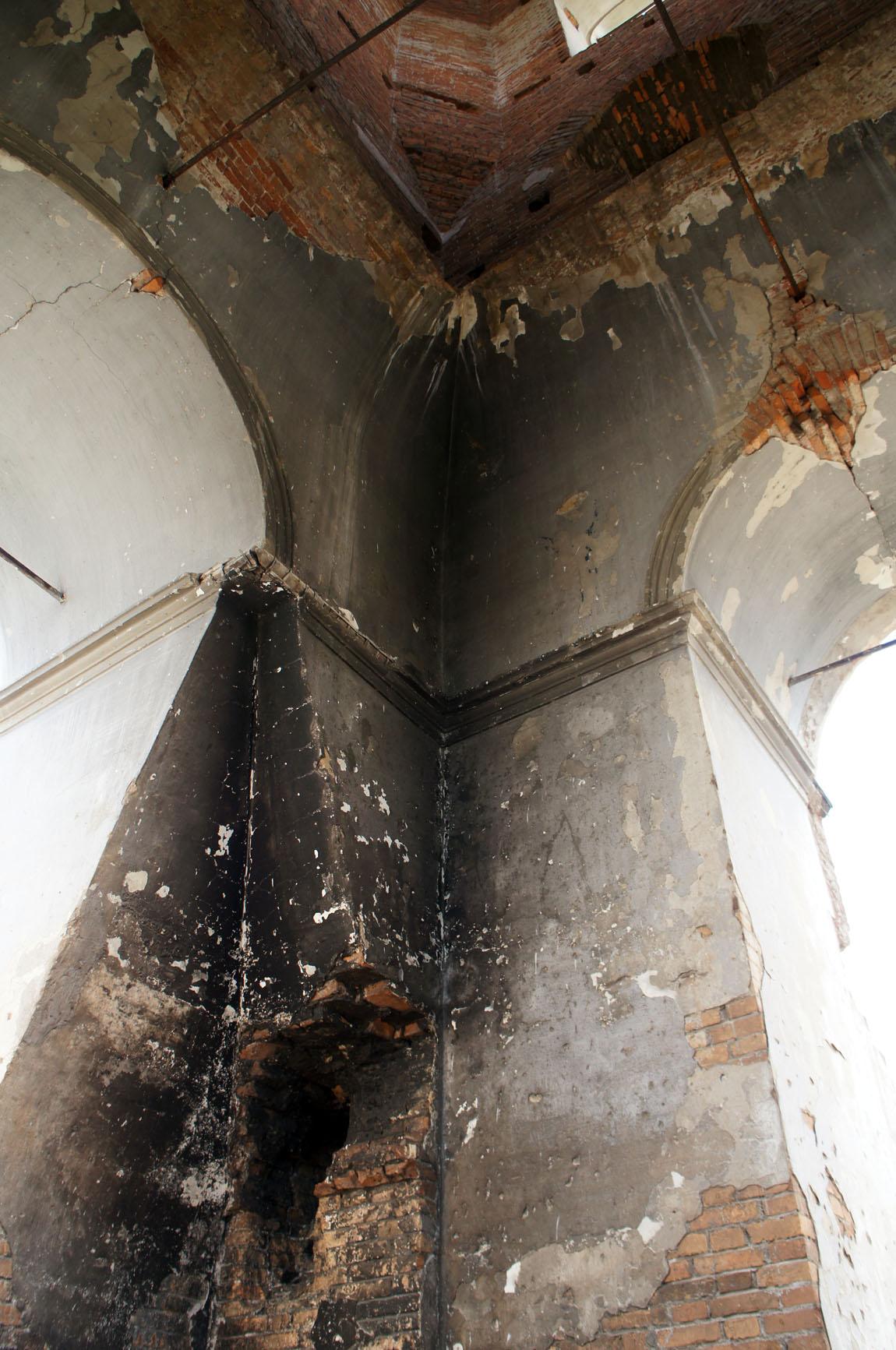 стены колокольни