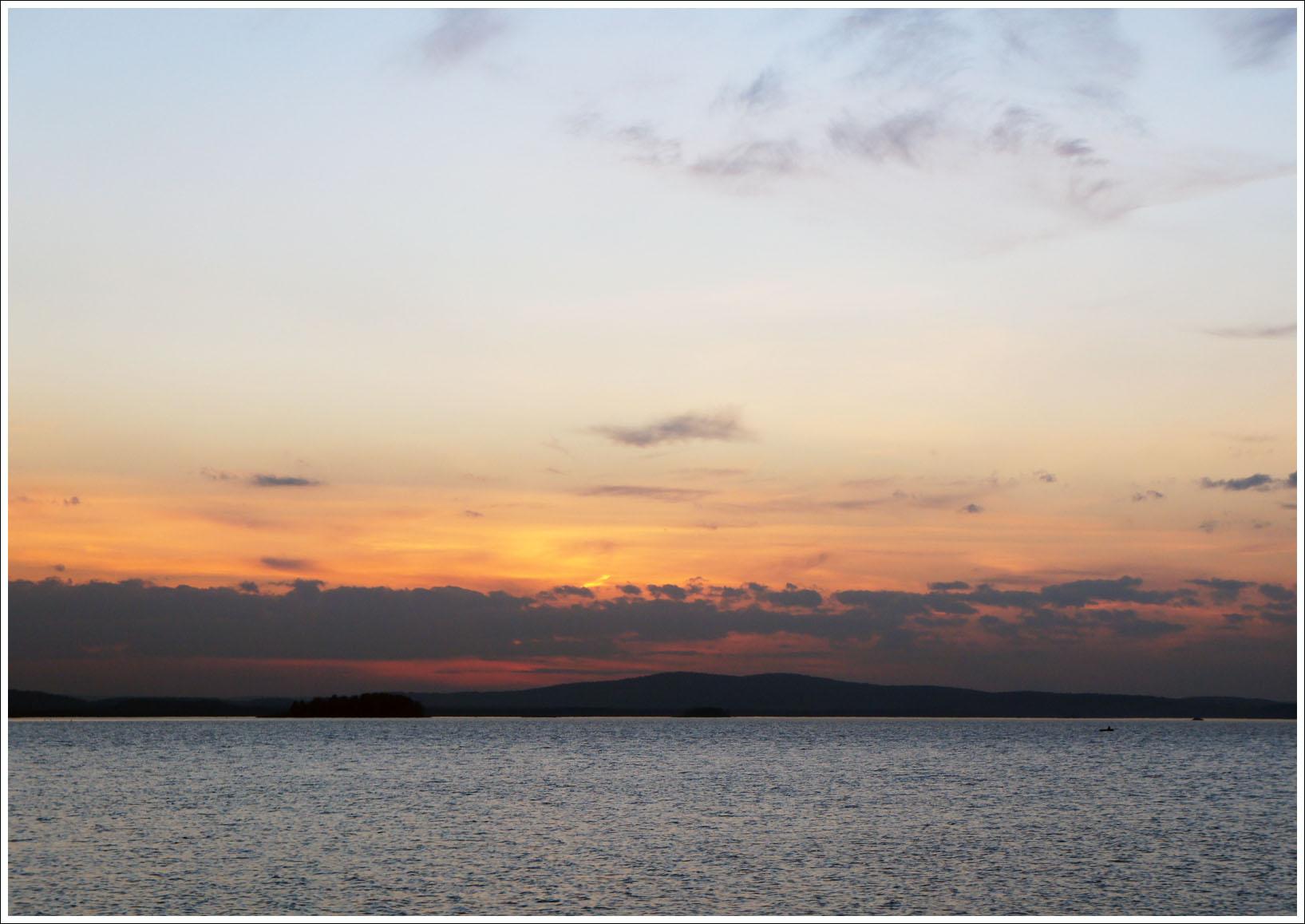 закат над екатеринбургским морем