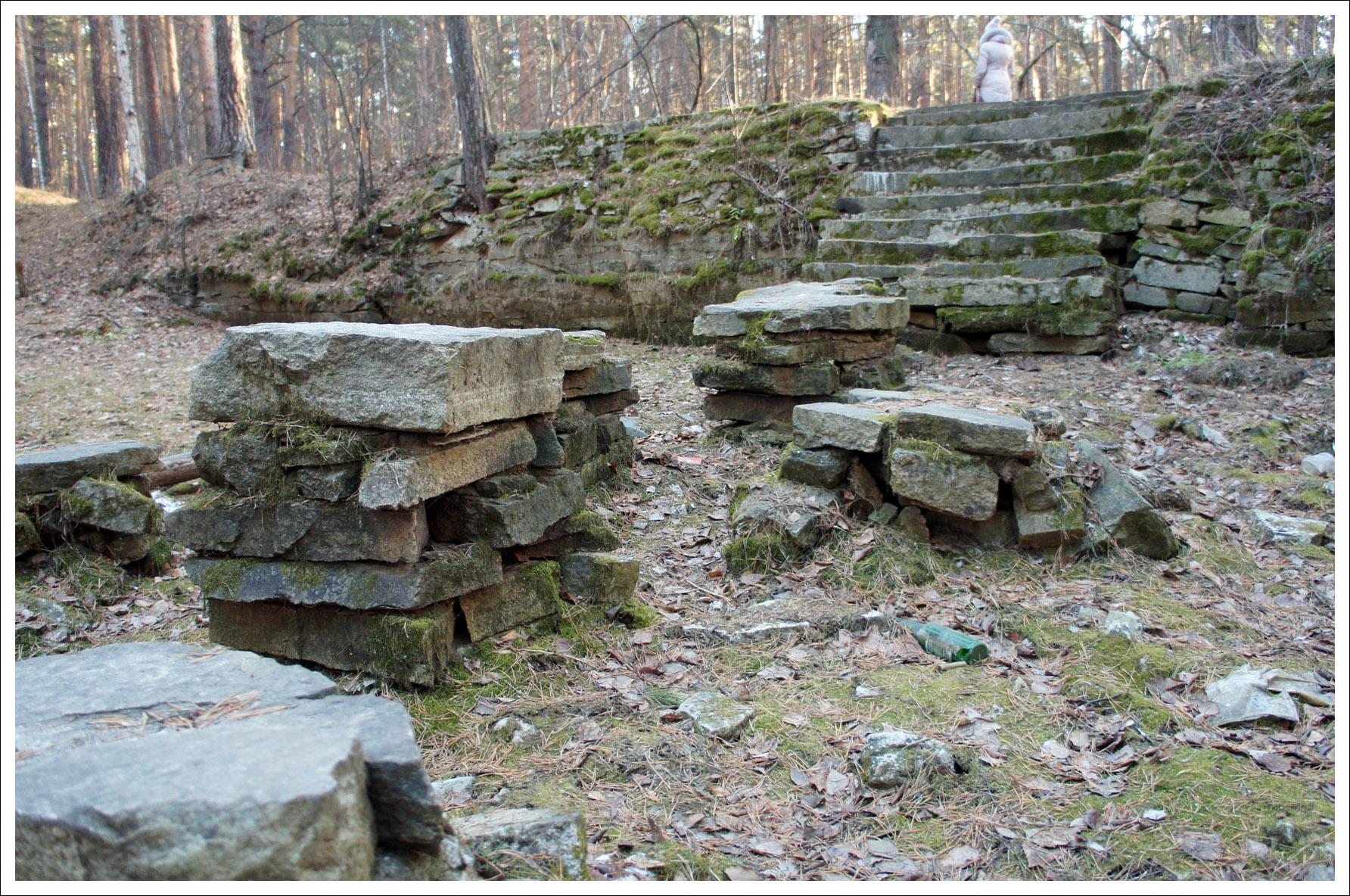 каменные платформы