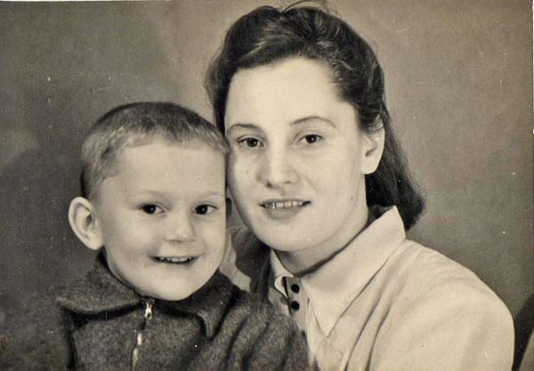 мама с Борей.jpg