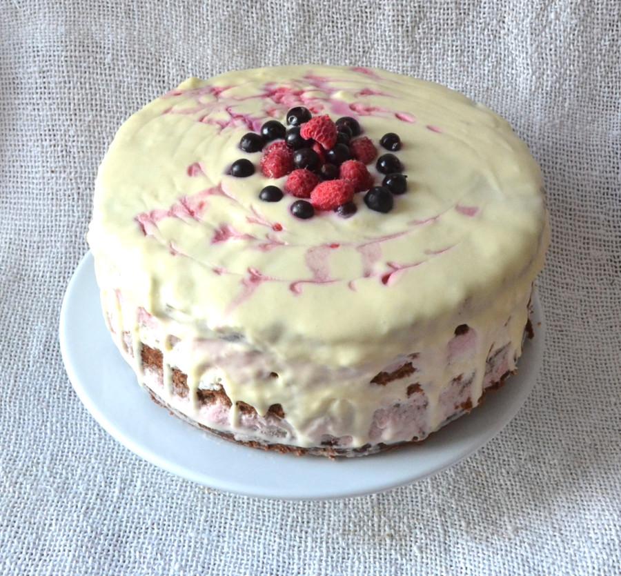 Торт с малиновым и лимонным кремом
