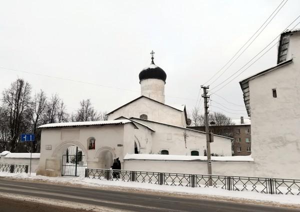 Псков. Церковь Козьмы и Дамиана с Примостья