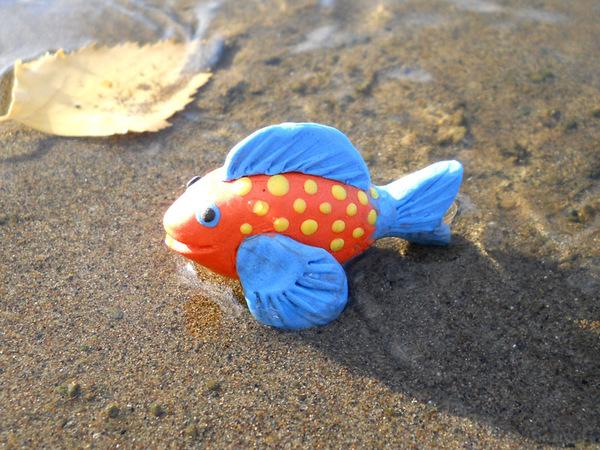 рыбка из пластилина,