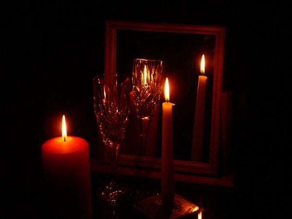 Свеча в зеркале