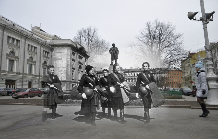1944-2013. Регулировщицы (Ленинград - Санкт-Петербург. Театральная площадь).jpg