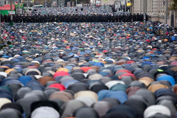 Молитва мусульман (3) ЖЖ.jpg