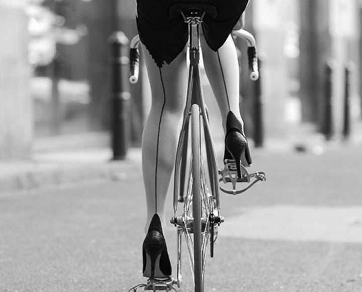 Велосипедистка.jpg