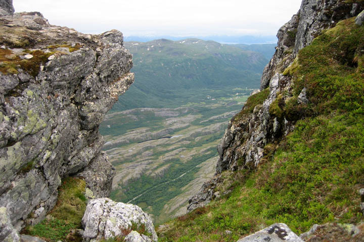 (24) Climbing Litltind Mountain ЖЖ.jpg