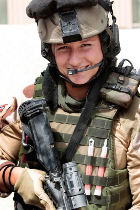Девушки в армии Норвегии (24).jpg