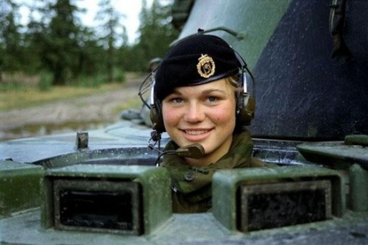 Девушки в армии Норвегии (20).jpg