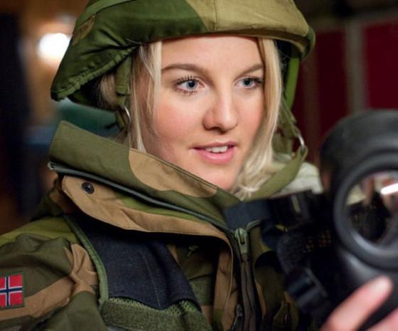 Девушки в армии Норвегии (22).jpg