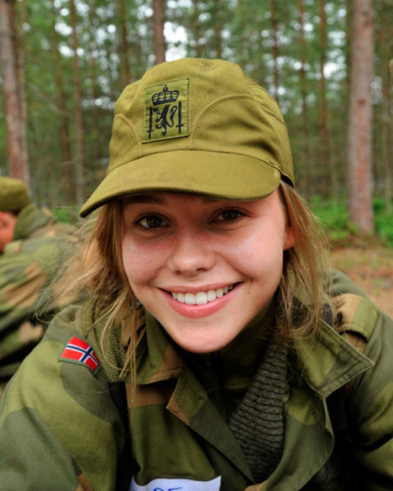 Девушки в армии Норвегии (2).jpg