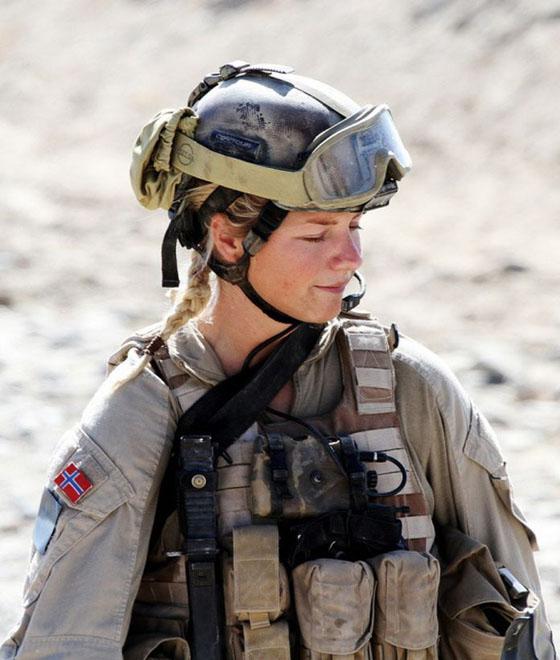 Девушки в армии Норвегии (16).jpg