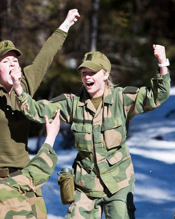 Девушки в армии Норвегии (40).jpg