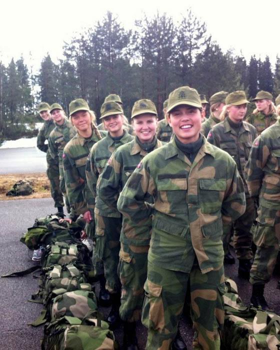 Девушки в армии Норвегии (14).jpg