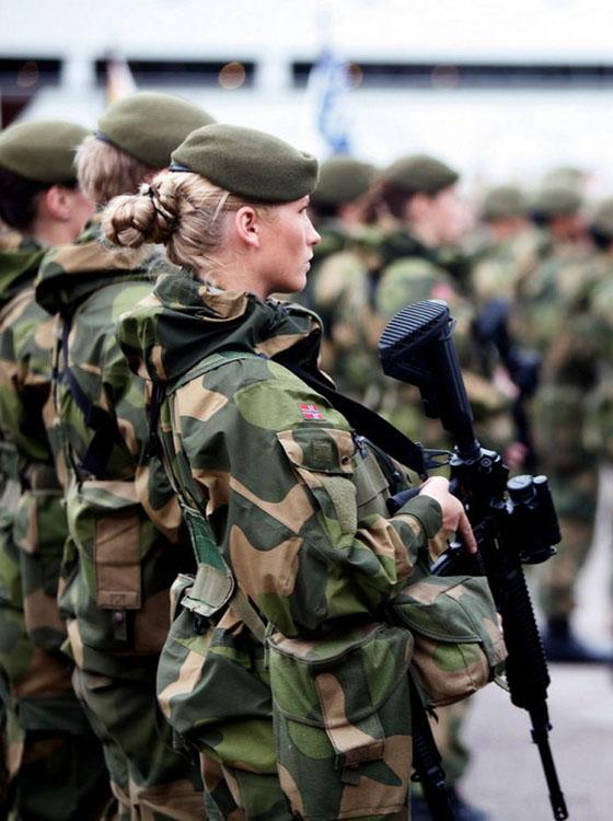 Девушки в армии Норвегии (23).jpg