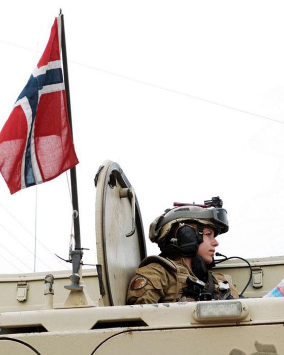 Девушки в армии Норвегии (19).jpg