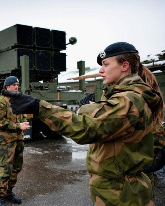 Девушки в армии Норвегии (41).jpg