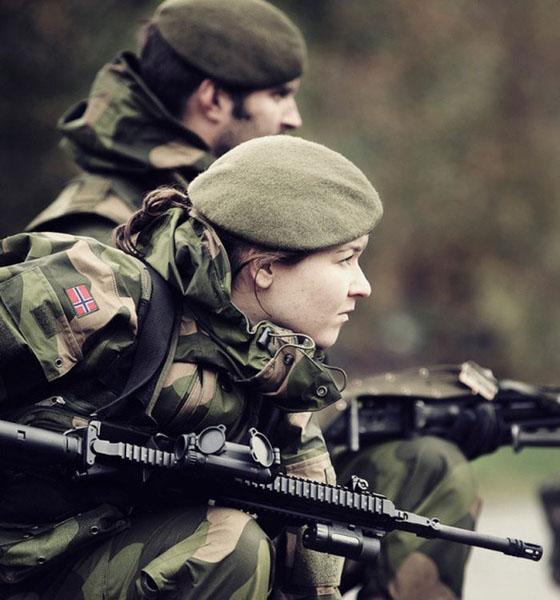 Девушки в армии Норвегии (43).jpg