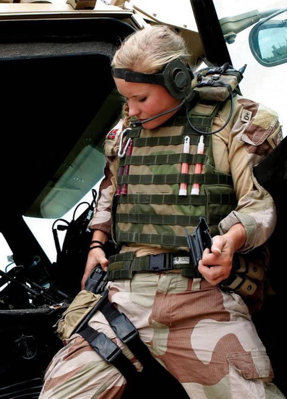 Девушки в армии Норвегии (44).jpg