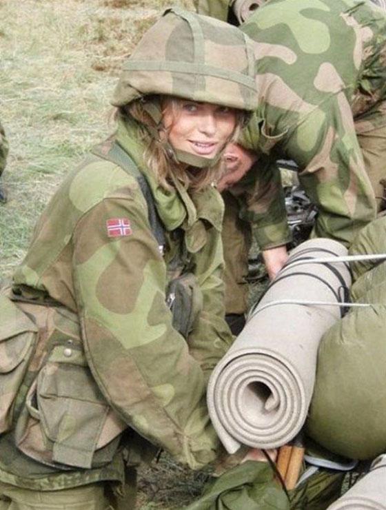 Девушки в армии Норвегии (45).jpg