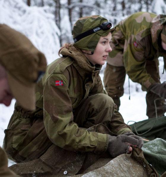 Девушки в армии Норвегии (46).jpg