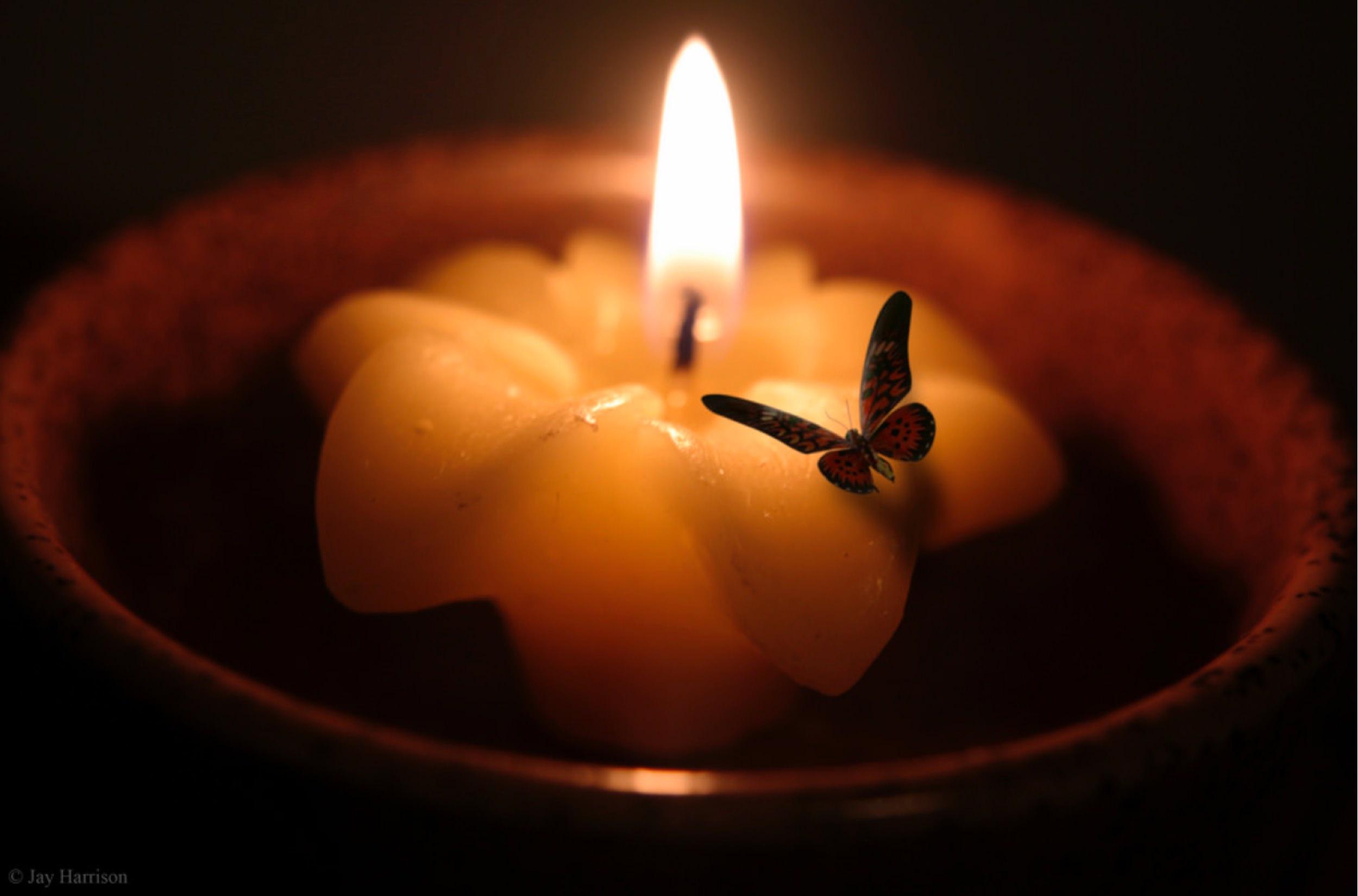 Свеча и мотылек (1).jpg
