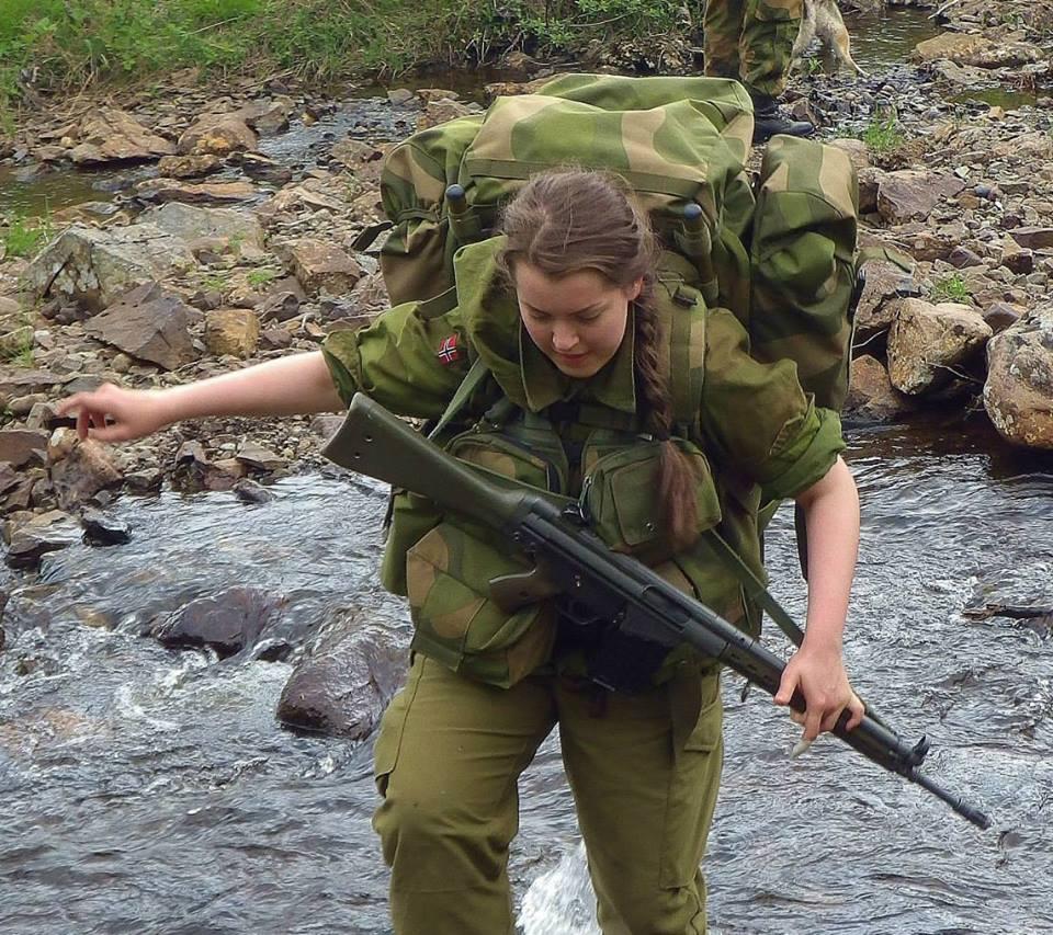 Девушки в армии Норвегии (53).jpg