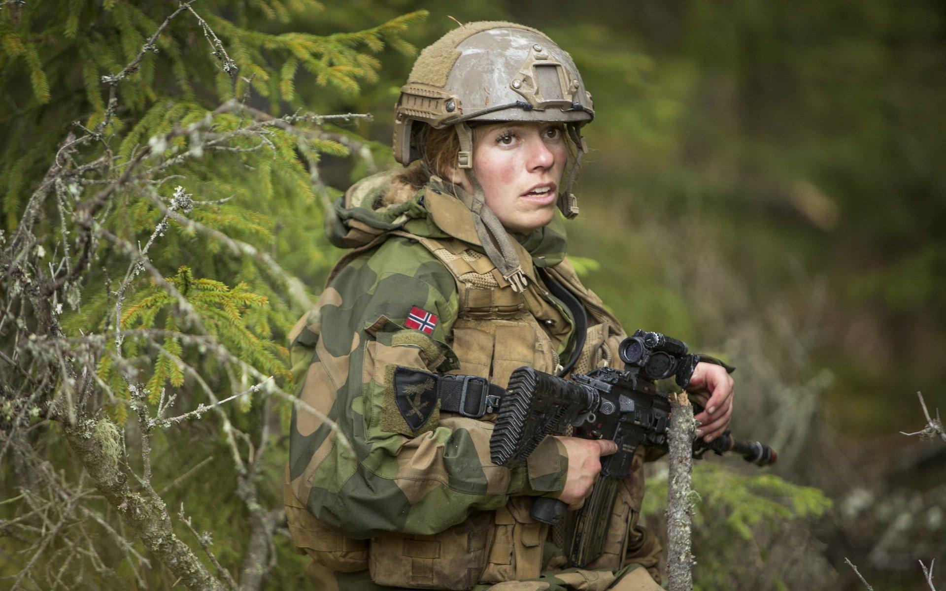 Девушки в армии Норвегии (54).jpg