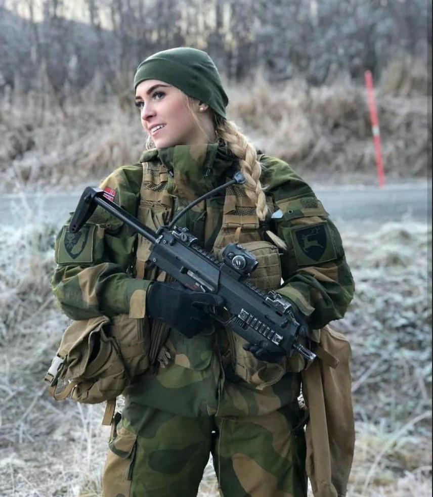 Девушки в армии Норвегии (57).jpg