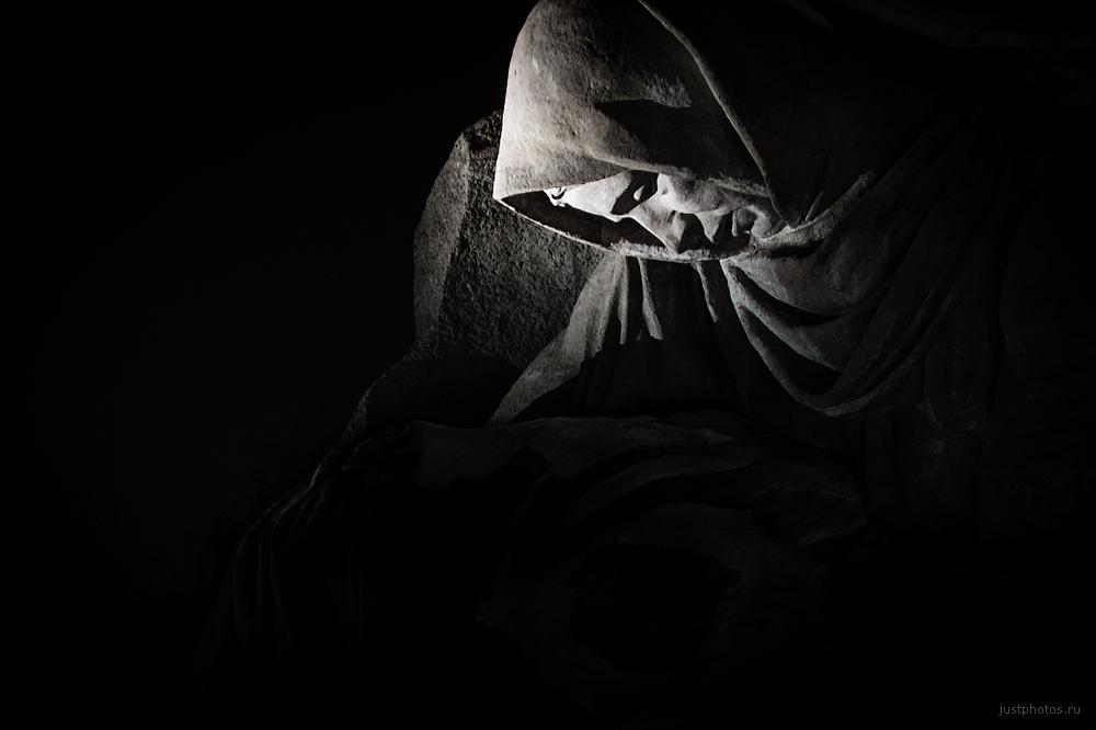 Монумент скорбящей матери.jpg