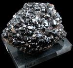 garnet-melanite-gemstone-rough