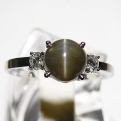 chrysoberyl-cats-eye-and-diamond-ring