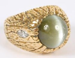 chrysoberyl-cats-eye-ring